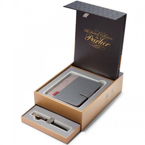 Подарочный набор из перьевой ручки Parker (Паркер) Sonnet Core Black Lacquer GT F 18К и блокнота в Омске